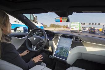 马斯克:特斯拉将在半年内完成跨美国无人驾驶