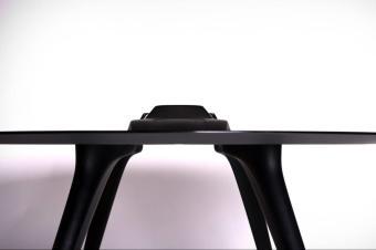 过年吃饭,用法拉利F40桌子