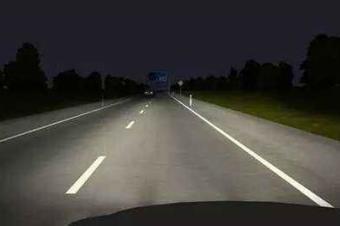 高速路上那个车道行驶最安全?老司机来给你支招!