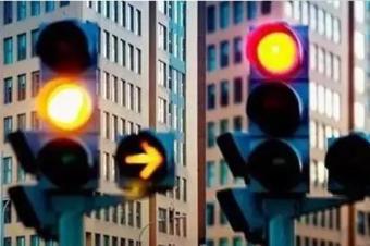 开车看到全靠猜?遇到这4种交通标线,不小心就被罚200扣6分