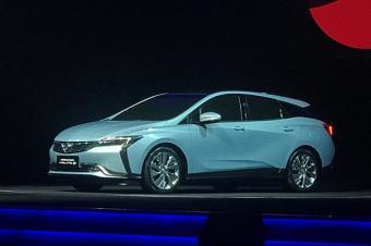 别克一晚发布两款重磅新能源车,续航达700公里!