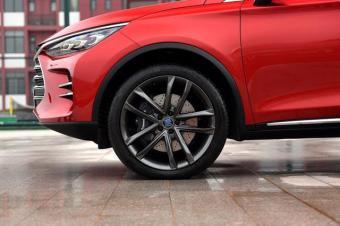 上市了!比亚迪新SUV比汉兰达漂亮,4.5秒破百,才2毛油耗