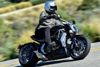 汽车机油摩托车不能用?摩托机油标准高于汽车!