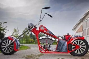 震惊又难以置信!9个奇葩的摩托车世界纪录