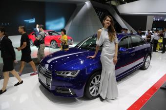 2018深港澳车展:奥迪豪气包馆,2男8女车模谁最帅、最美?