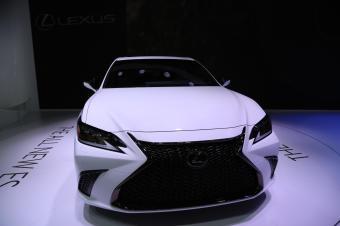 雷克萨斯全新ES华南首发,2018深港澳国际车展实拍!