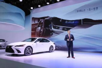 进口豪华轿车销冠,全新一代不仅轴距加长,车宽也加宽