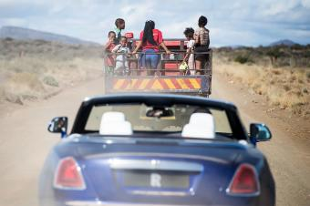 左手二手丰田右手新奔驰大G,非洲人都开什么车?