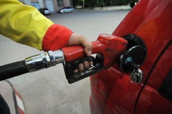 喜迎油价最大涨幅,夏季开车如何降低油耗?