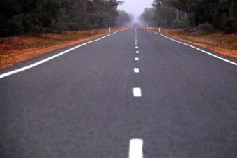 澳大利亚交通部因这件事关闭一条公路