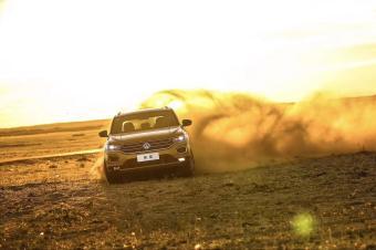 北疆可不是什么车都可以挑战的,T-ROC探歌来一样被虐…