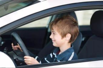 老司机是如何养成?从关注路况开始!