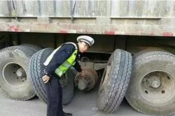 货车司机不进服务区休息的4个理由,很心酸!