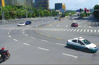 """""""大弯小转""""新规执行后:上海7万多车主中招!最多扣5分罚40"""