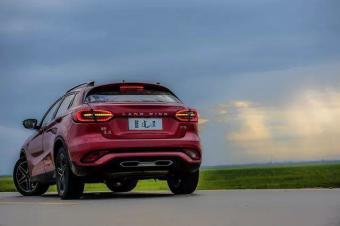 一款外型纯粹中国风的轿跑SUV,陆风逍遥并没抄袭奔驰GLA