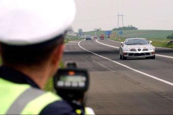 深圳一大道突然启用测速设备!上万车次被罚?车主:毫无防备