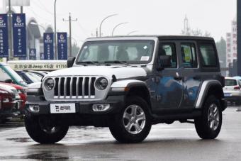 这车2.0T+8AT轴距超3米 越野性能爆表 仅预售46万