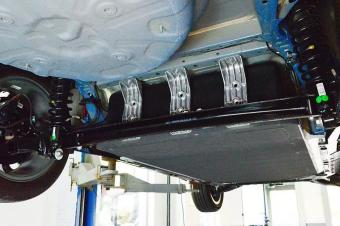 吉利帝豪EV底盘拆解,看看这辆电动车为什么这么便宜!