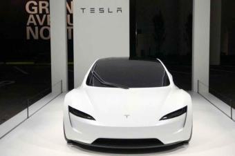 20万美金的特斯拉Roadster 2跑车亮相:堪称人类杰作