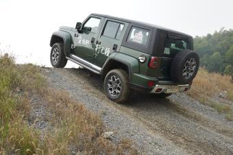 十几万买牧马人?能越野耍酷的SUV,这价位全国只有它行