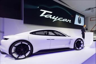 保时捷也屈服了:宣布正式放弃燃油车型,正式投入电动汽车市场!