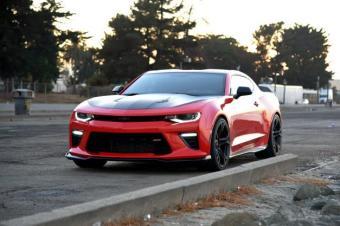 意义上的肌肉车,必须大尺寸高性能V8