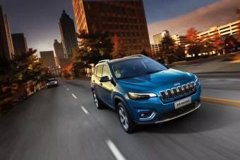 不愧是专业SUV制造者,全新Jeep自由光要来碾压对手?