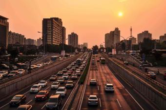 一锤定音::车市低迷只是暂时困难,长期向好趋势并未改变