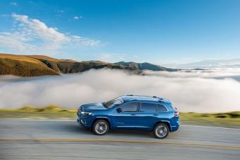 不到20万起售的全新Jeep自由光!除了颜值,2.0T发动机