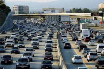 你尝试过连续开车多久?网友的这些长途车经历让人扎心