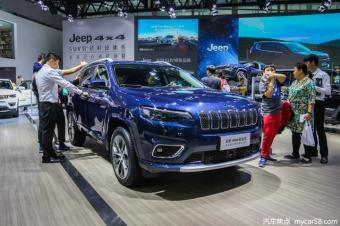 """起售低于20万,家族式设计,新款自由光能给Jeep""""雪中送炭"""