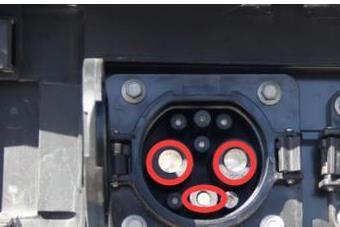 电动汽车为什么自带充电器效率,比不上充电桩?