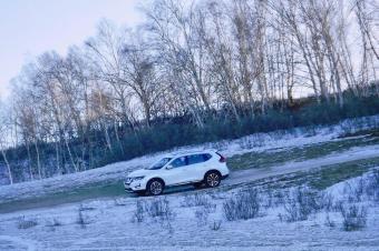 城市SUV的极限在哪里?我们驾驶奇骏在乌兰布统雪原上寻找答案