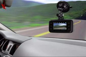 行车记录仪哪种安装方法比较好?