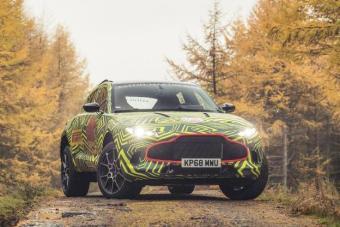 阿斯顿·马丁首款SUV DBX测试图曝光 2019年底首发