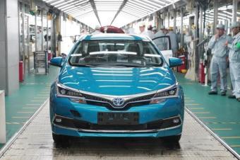 丰田卡罗拉双擎E+插电混动车国产版正式下线,你的银子备好了吗