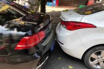 """是时候展现真正的技术了!看看春节期间的""""神停车"""""""