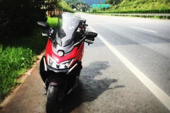 好嗨呦:骑摩托车在高速狂奔3000公里