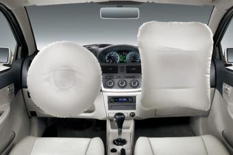 高田气囊问题波及丰田、特斯拉,汽车安全性不能只看气囊数