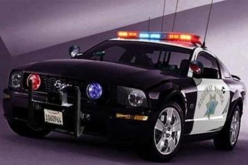 全球最快的10部豪门警车,飞车党都甘拜下风!