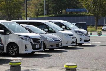 看了3月份的日本本土汽车销售报告特朗普按红色按钮
