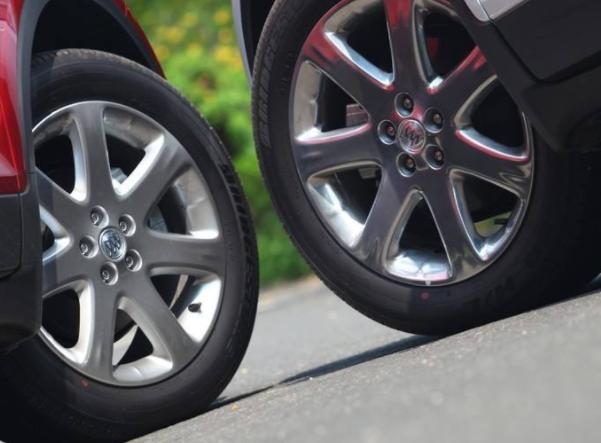 胎压明明加够了,可轮胎还是有点瘪?关于胎压常识,车主要记好