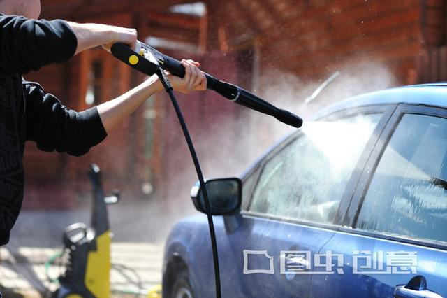 清水洗车洗不干净,浪费时间还不耐脏!教你正确做法,您也试试