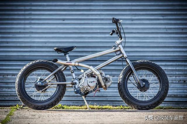 有趣的汽油动力小轮车(BMX)