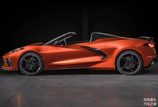 V8自然吸气发动机,雪佛兰科尔维特Stingray敞篷版亮相!颜值给力