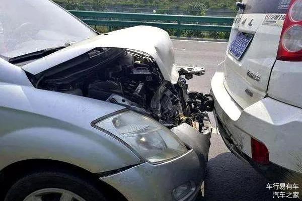 拖车钩不要乱装,保险有可能不赔哦