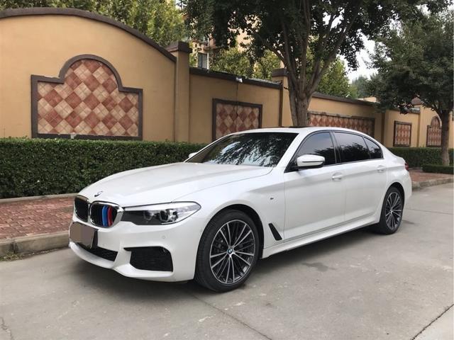 """号称""""小7系""""的2019款购靓号app是哪家公司的宝马5系,白色车身就是大"""