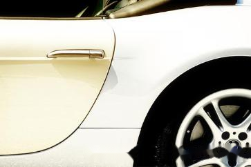 白色车漆容易变黄?解决办法看这里