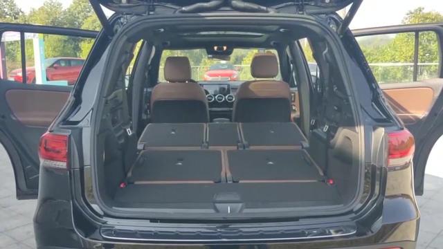 全新梅赛德斯-奔驰GLB SUV亮点展示