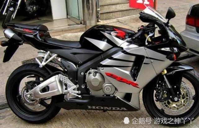本 田 cbr250rr摩托车